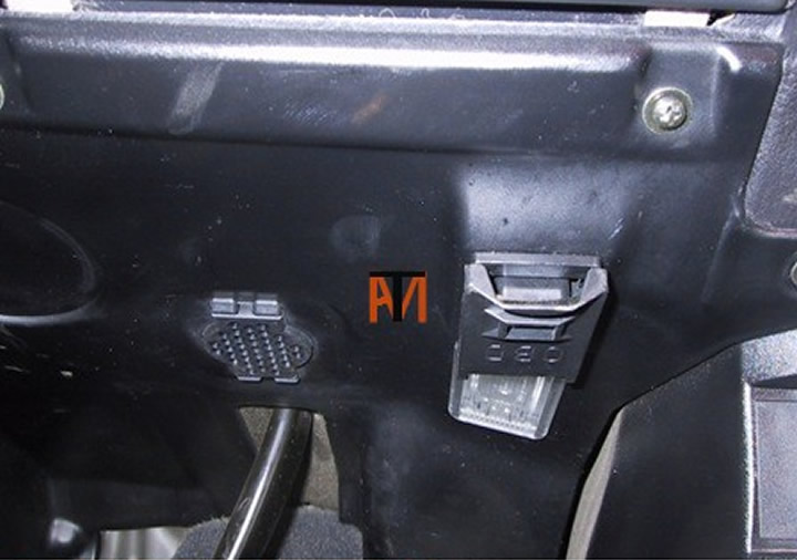 Ask The Mechanic Bmw Diagnostic Socket Location