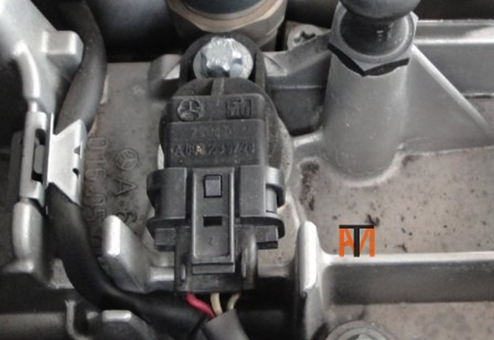 Camshaft sensor Three wire