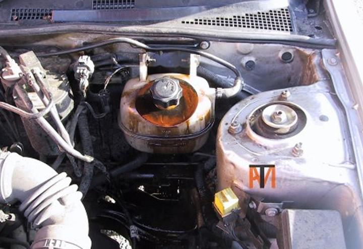 Car oil in water for Water in motor oil