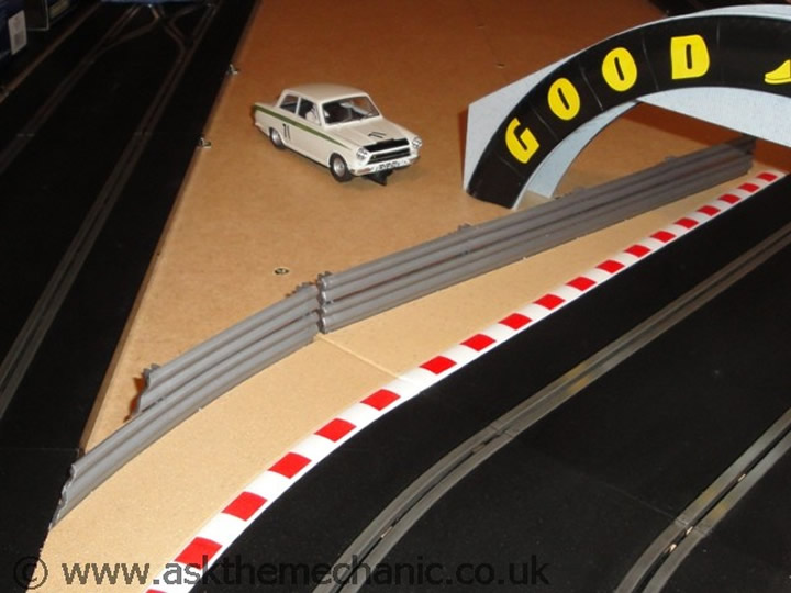 scalextric-crash-barriers